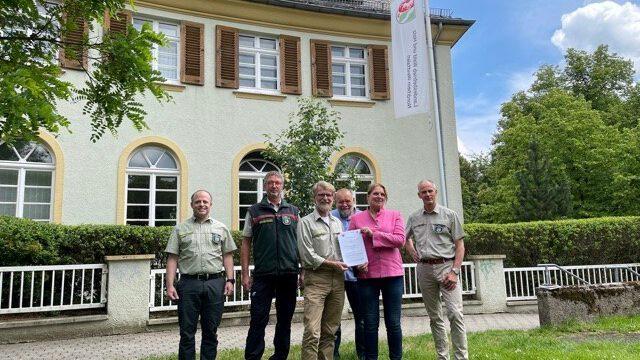 Waldschule wird zum Waldpädagogischen Zentrum